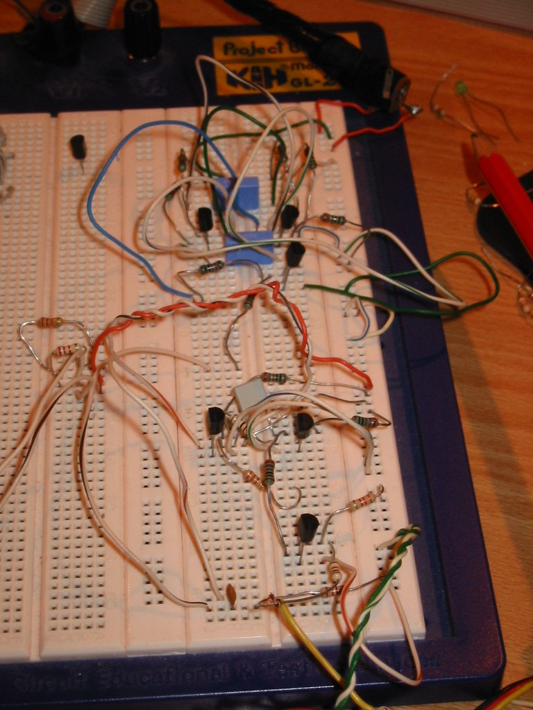 How To Control An Rc Servo With Discrete Components Fun Electronics Projects At Left You Can See A Hand Drawn Schematic Of The Circuit I Made Is Prototype And There May Be Lot Improvements